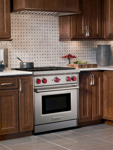 Wolf GR304 30 Inch Pro-Style Gas Range with 4 Dual-Stacked