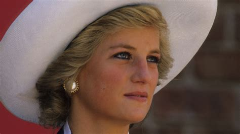 The real meaning behind the Princess Diana crying photo