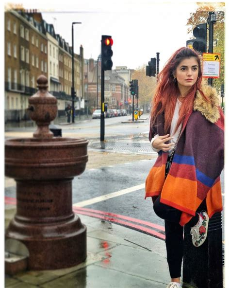 40 Amazing Pictures of Momina Mustehsan   Reviewit