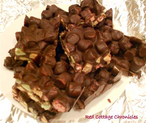 Chocolate Marshmallow Bark - Red Cottage Chronicles