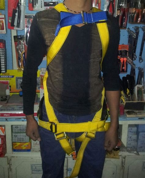 FULL BODY SAFETY HARNESS BELT WITH FOAM PAD PRICE IN PAKISTAN